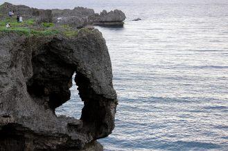 象の鼻のような断崖で有名です