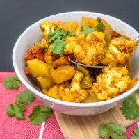 Aloo Gobi (Indian potato and curry recipe)
