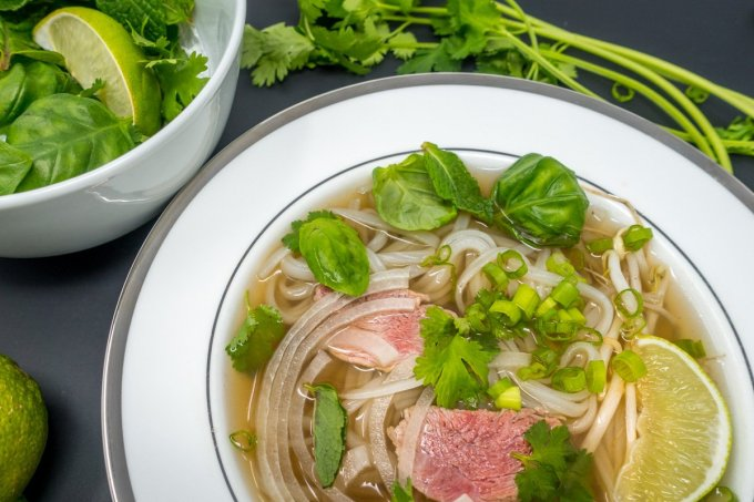 Vietnamese Beef Noodle Soup in a Slow Cooker -- Pho Bo