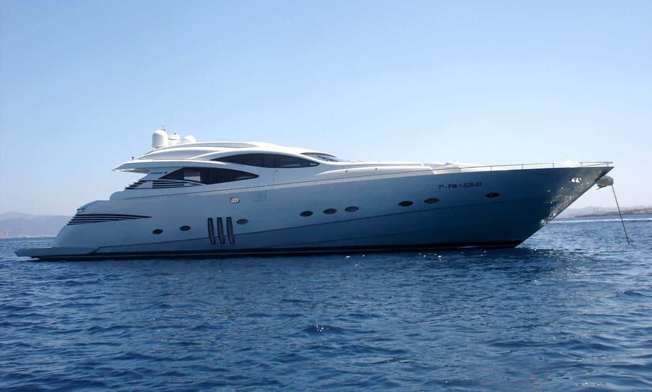 Pershing 90 Yacht IbizaBoats