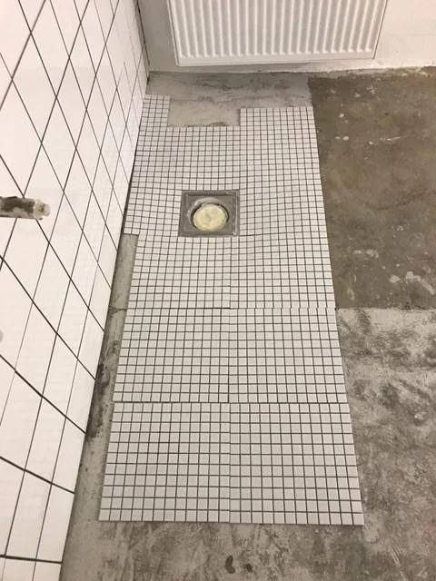 Tvättstuga renovering torrläggning runt golvbrunn slukrist.