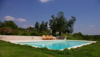 Piccole piscine latest piccole piscine da giardino for Quanto costa costruire una piscina