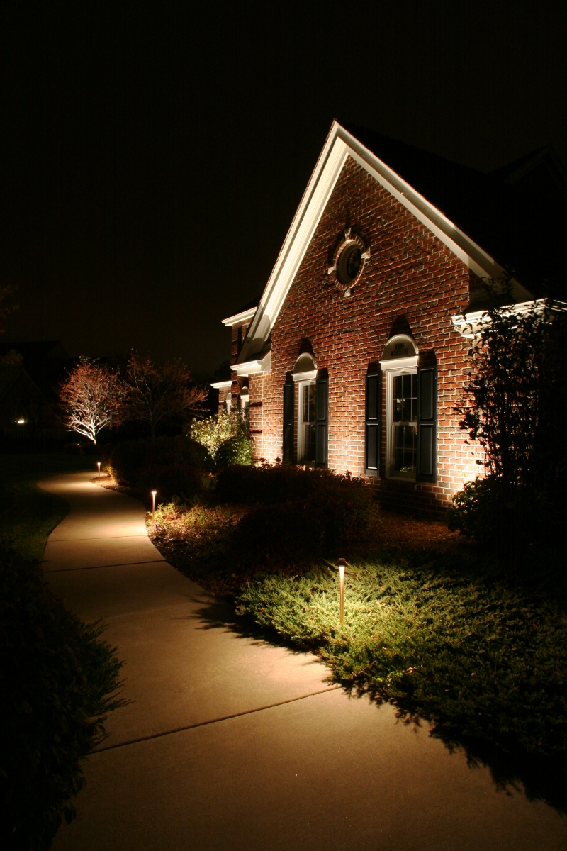 outdoor lighting for business and homes