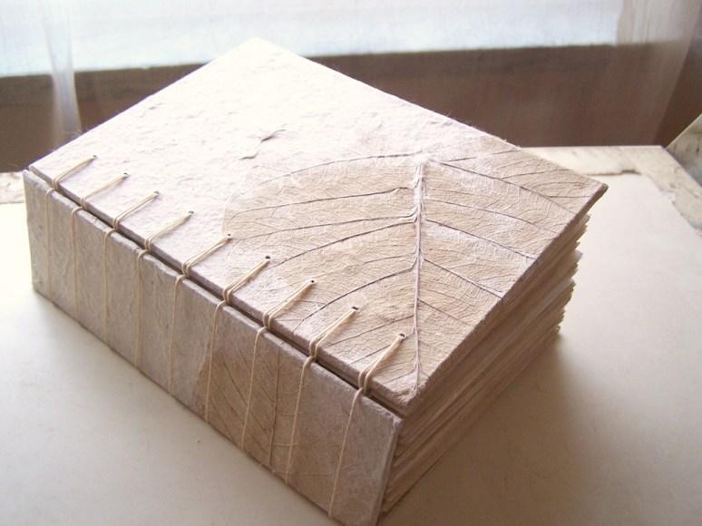 Natural Secret Belgian Bound Book by SandySTC (https://www.flickr.com/photos/spartasoap/2830169177/)