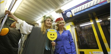 2016.05.24 - 04 - Shakespeare-Themed Train Launched in Moscow Undergorund