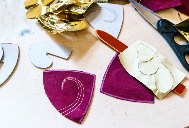 2016.08.19 - 12 - Making Leather Kippot - A Side Job for a Bookbininder