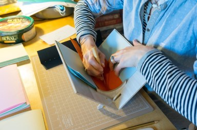 2016-10-16-coptic-bookbinding-franch-stitch-binding-and-langstitch-binding-workshop-03