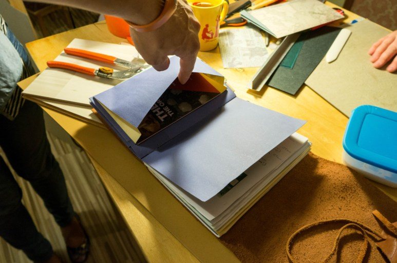 2016-10-16-coptic-bookbinding-franch-stitch-binding-and-langstitch-binding-workshop-16