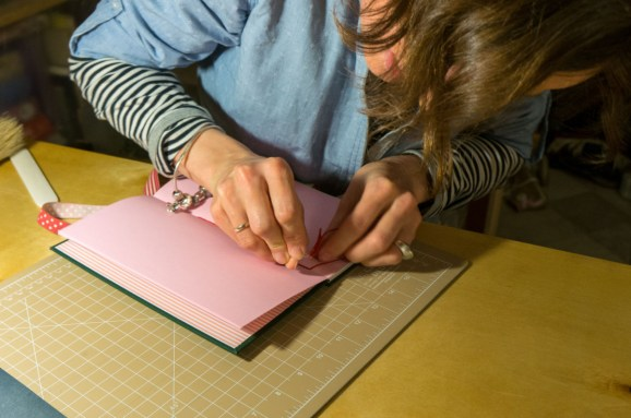 2016-10-16-coptic-bookbinding-franch-stitch-binding-and-langstitch-binding-workshop-34