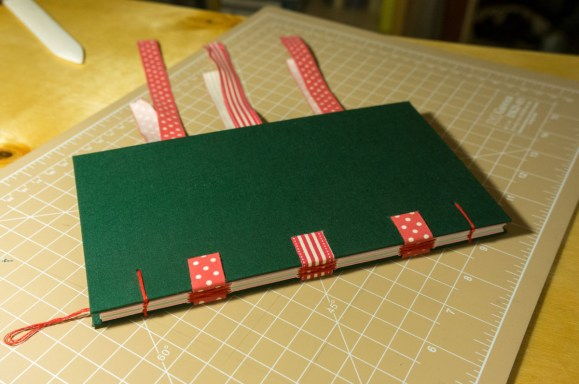 2016-10-16-coptic-bookbinding-franch-stitch-binding-and-langstitch-binding-workshop-45