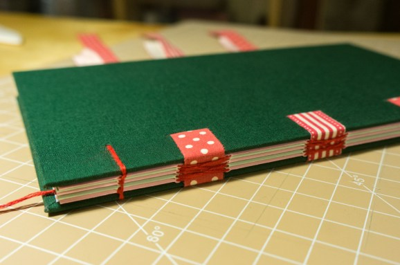 2016-10-16-coptic-bookbinding-franch-stitch-binding-and-langstitch-binding-workshop-46
