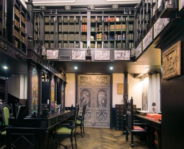 2017-01-09-private-rare-book-library-with-100e-entrance-fee-opened-in-saint-petersburg-02