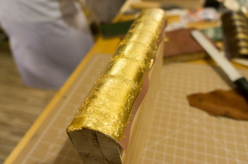 2017.01.30 - Gold Tooling 06 - Covering Full Spine with Gold 08
