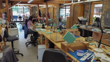 Sewing an Endband at the American Academy of Bookbinding 03