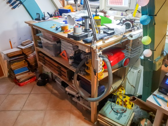 2018.12.17 - Recent Updates to My Bookbinding Workbenches - Vaccum Cleaner and Power Plugs 01