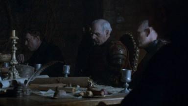 GoT S02E05 00.20.00 - Tywin Lannister' war council at Harrenhal