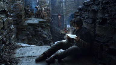 GoT S02E06 00.37.02 - Arya with a letter at Harrenhal