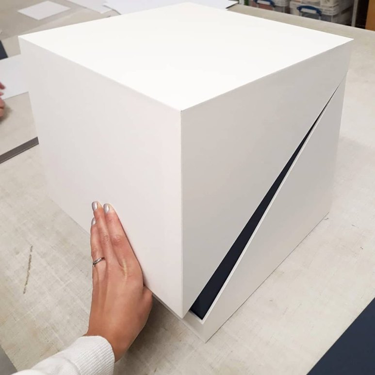2019.10.07 - Inspiring Bookbinding Projects of September - Hinged Cubic Box by Sarah Baldi 01