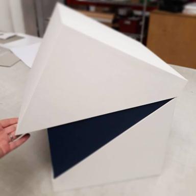 2019.10.07 - Inspiring Bookbinding Projects of September - Hinged Cubic Box by Sarah Baldi 05