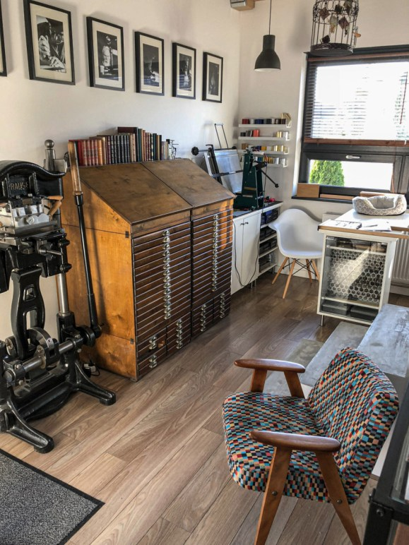 2019.10.23 - Workshop Tour of Introligatornia Tylkowski — Bookbinding Studio of Jacek Tylkowski 09