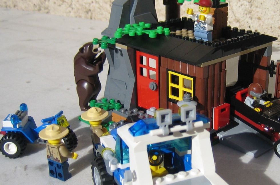 Lego City 4438  Robbers Hideout  i Brick City