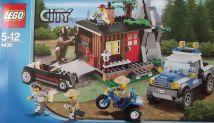 Lego City 4438 Robber' Hideout Brick