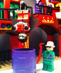 Lego Super Heroes 6857  The Dynamic Duo Funhouse Escape ...