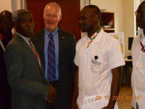 L'ambassadeur Mushingi en entretien avec le Dr. Alain Konseybo du CRTS