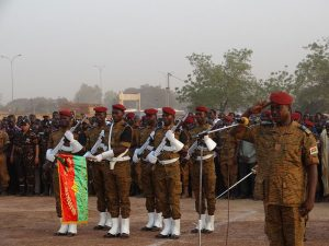 Les honneurs militaires pour les 12 martyrs