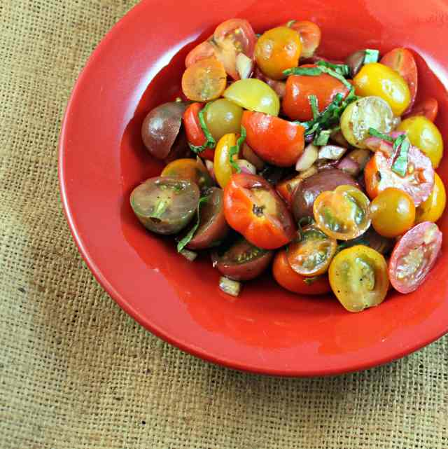 Cherry Tomatoes with Balsamic Vinegar and Basil