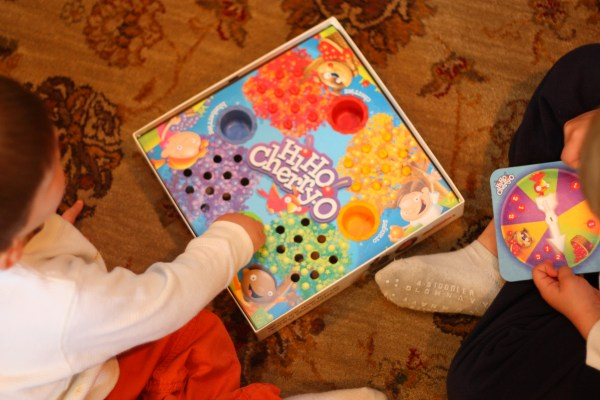 5 Board Games Young Children.and Play - Teach Child
