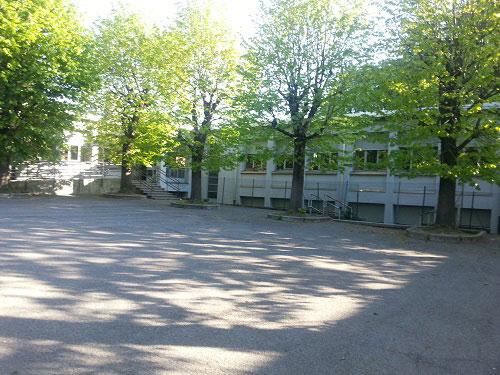 esterno della scuola primaria Bossi