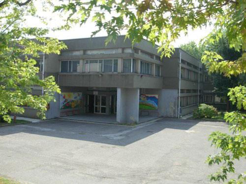 ingresso della scuola secondaria Aldo Moro