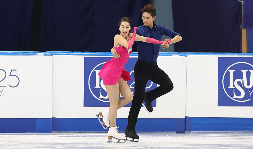 Profile – Hong Chen & Yan Zhao