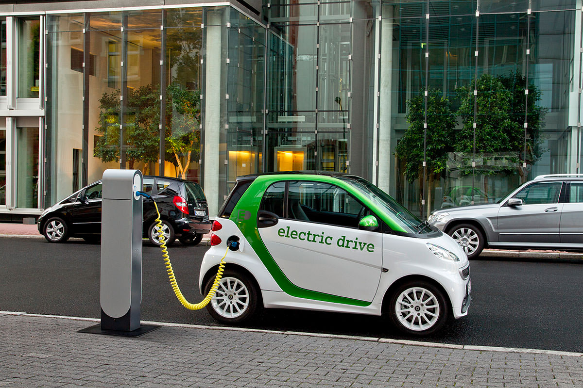 8 Reasons Why Electric Cars Arent The Best Choice