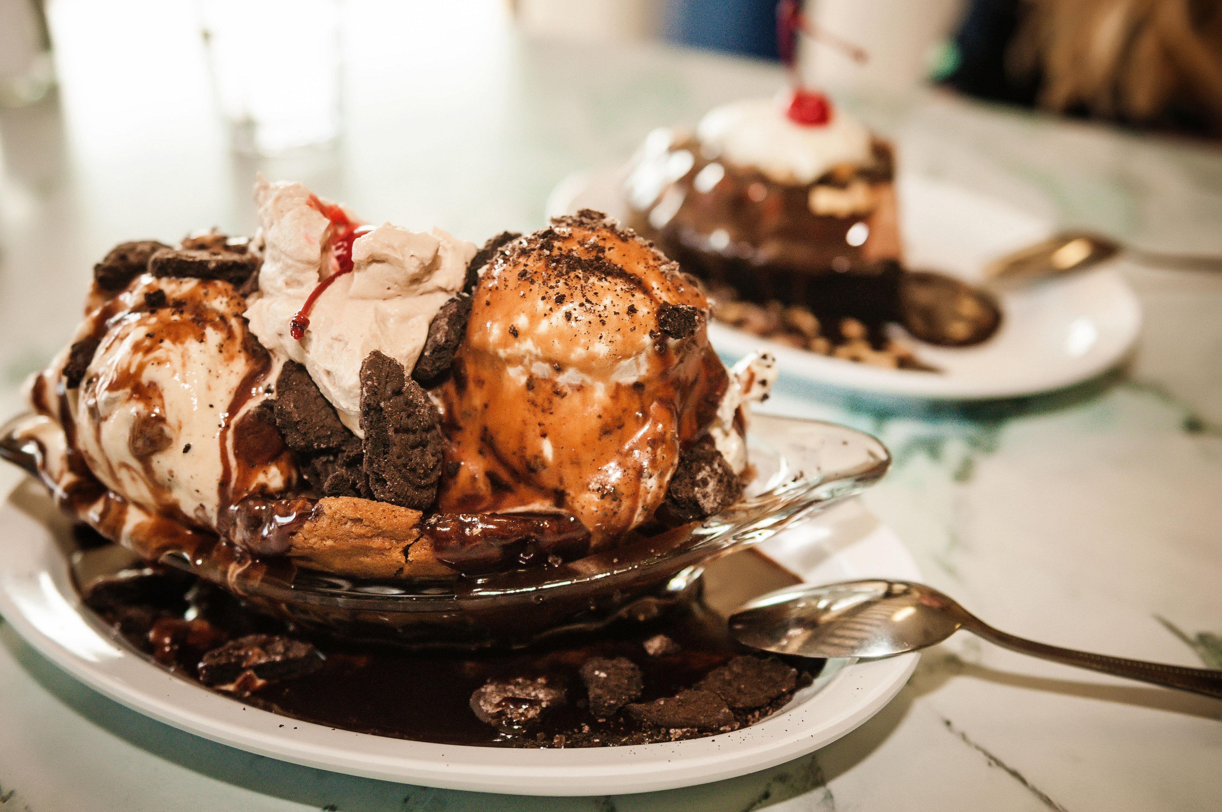 Leatherby's Family Creamery – Ice Cream Sunday's