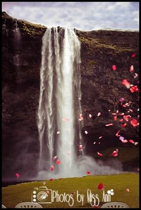 seljalandsfoss-waterfall-wedding-portraits