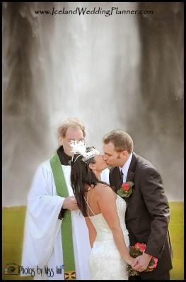 iceland-wedding-seljalandsfoss-waterfall-iceland-wedding-photographer-photos-by-miss-ann2