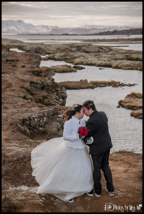 dreamy-iceland-wedding-photos-thingvellir-silfra-fissure-wedding