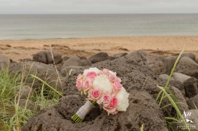 pink-and-white-iceland-wedding-bouquet