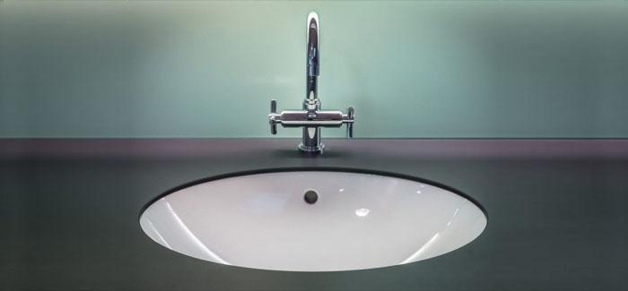 British blokes admit to HIDING in their bathrooms