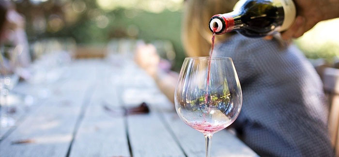 Alcohol dependence can be devastating, but it can be challenging to identify the signs and get yourself help.