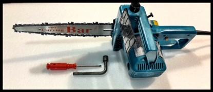 Makita chain saw with dime tip bar
