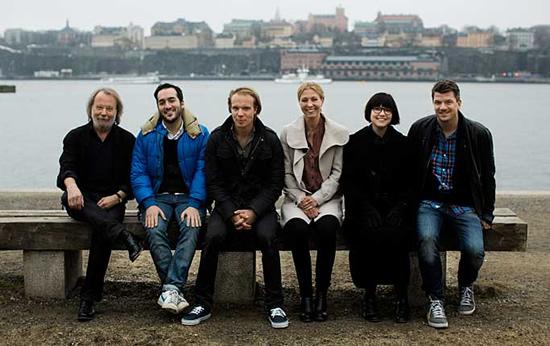 Benny, Levan Akin, Ludvig Andersson, Cecilia Norman, Sara Bergmark Elfgren and Mats Strandberg are the team behind the film adaptation of 'Cirkeln'