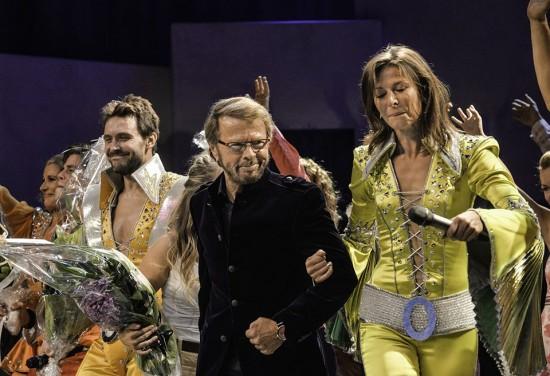Björn Ulvaeus joins the cast of 'Mamma Mia!' on stage in Helsinki