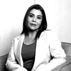 Carla-Miranda-nueva-1-e1580928963644-blackwhite