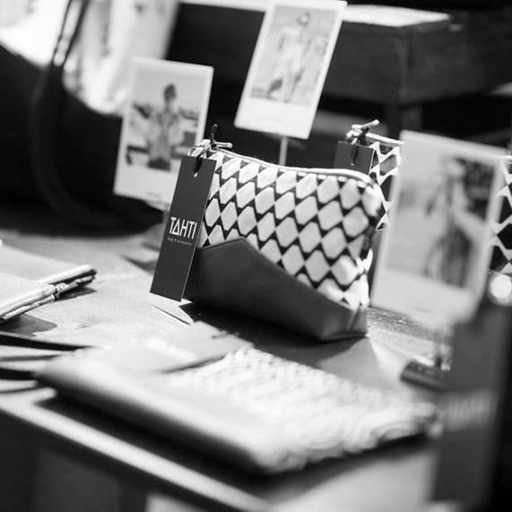 Im heiutige Türchen könnt ihr eine Schultertasche im Tote bag style von Tahti bags & Accessoires in Schwarz gewinnen | Ichsowirso.de