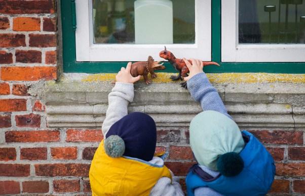 Wir wollen nicht weiter in einer Hamburger Wohnung wohnen sondern in ein Haus ziehen. Und das am liebsten mitten in der Stadt. Wie sich unsere Pläne vom Haus in Hamburg entwickeln lest ihr jetzt auf dem Blog. | Ichsowirso.de