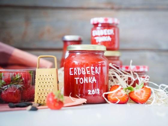 Mein Rezept zum selbermachen von Erdbeermarmelade ist super leicht, mit wenig Zucker und trotzdem etwas besonderes. Ich koche nämlich immer Erdbeermarmelade mit Tonkabohne und habe das Rezept für euch auf dem Blog.   ichsowirso.de