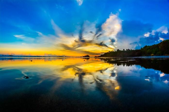 Ciel de feu Bali coucher de soleil